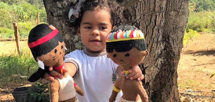 Crianças da maternal Carlos Osmarinho ficam encantadas com visita a aldeia indígena