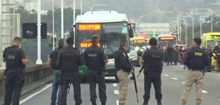 Sequestrador é morto e reféns são libertados de ônibus