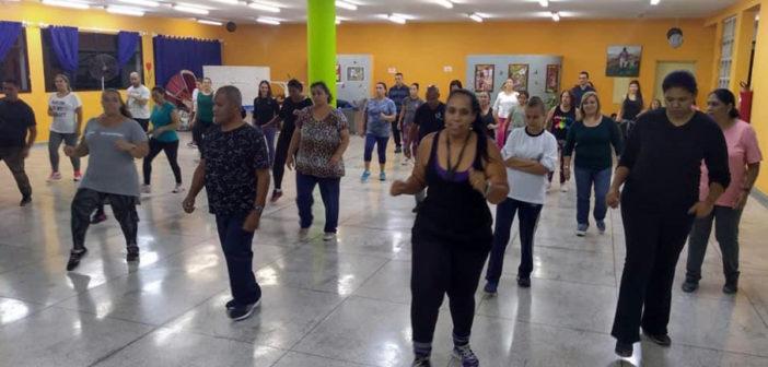 Curso de Dança de Salão ensina técnica e alivia estresse