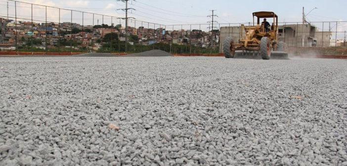 Campos do Maria Helena e Parque Viana também recebem gramados sintéticos